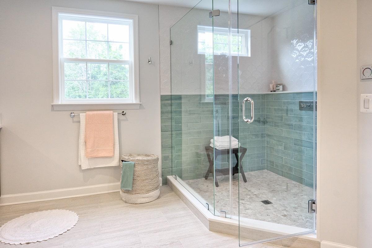 ¿Cuánto cuesta cambiar una bañera por plato de ducha? Precios en 2021